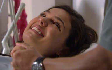 Marcela vê ultrassom do filho ao lado de Edgar