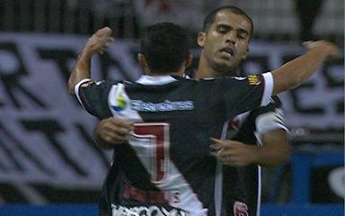 Os gols de Vasco 2 x 0 Corinthians em jogo adiado da 18ª rodada do Brasileirão 2010
