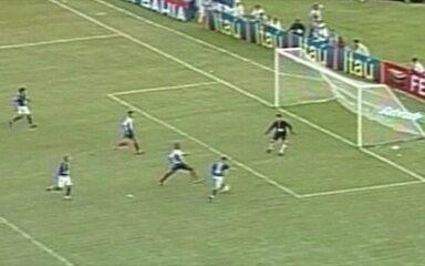 Em 2003, Cruzeiro goleia Bahia por 7 a 0 no Campeonato Brasileiro