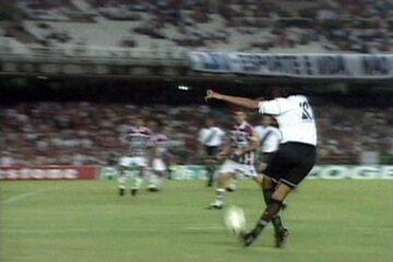 Em 2003, Vasco vence o Fluminense por 2 a 1, ganha Taça Rio e é campeão carioca