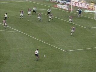 Em 2002, Jabá marcou gol de letra em vitória do Coritiba, por 2 a 0, sobre o Fluminense pelo Brasileirão; assista