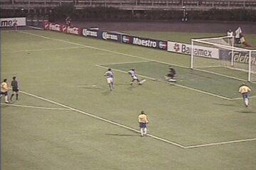 Em 2001, Brasil perde de Honduras por 2 a 0 na Copa América