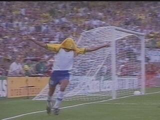 Em 1999, Rivaldo comanda Seleção Brasileira na vitória sobre a Argentina