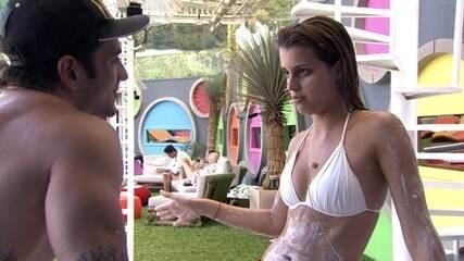 No BBB14, Angela tem DR com Junior
