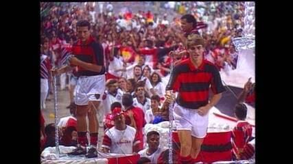 Em 1995, a Estácio de Sá desfilou com o enredo 'Uma vez Flamengo'