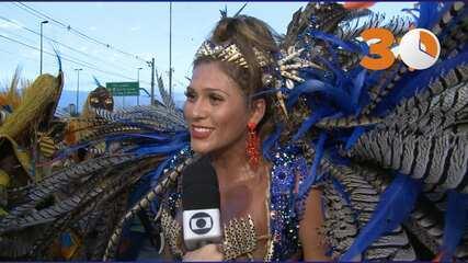 30 segundos: Lívia Andrade explica emoção de desfilar ao amanhecer