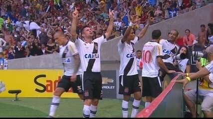 Os gols de Flamengo 1 x 2 Vasco pela 28ª rodada do Brasileirão 2015