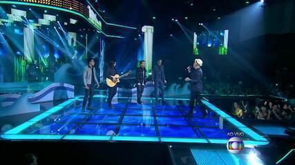 Lulu Santos, Danilo Reis e Rafael e Di Ferrero cantam sucesso 'Como Uma Onda'