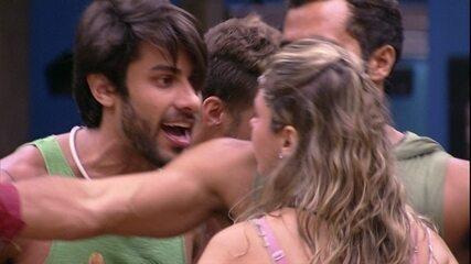 Ana Paula e Renan discutem feio e sister diz que brother tem dente falso