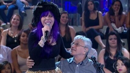 Baby do Brasil e Caetano Veloso cantam 'Menino do Rio