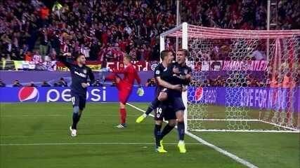 Melhores momentos de Atlético de Madrid 2 x 0 Barcelona pelas quartas de final da Liga dos Campeões 2015/16