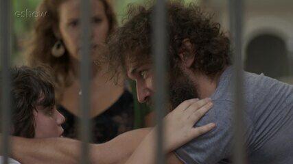 Teaser 30/9: Gilda descobre que Dino está de volta