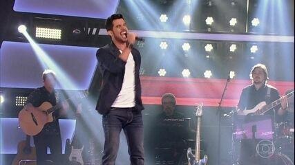 Alexey Martinez se apresenta cantando 'Pégate'
