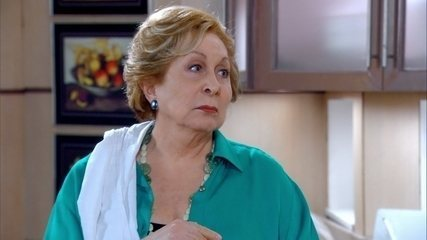 Máslova aconselha Conrado a namorar Cida