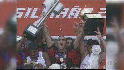 Baú do Esporte mostra título do Atlético-PR no Brasileirão de 2001, que teve Kleber Pereira e Alex Mineiro como destaques