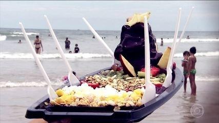 Barca de açaí vira sucesso no verão