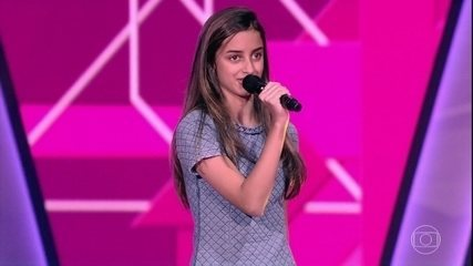 """Marcela Morais canta """"Flor e o Beija-Flor"""""""