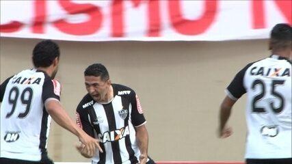 GOL DO ATLÉTICO-MG! Aos 3 do 1ºT, Danilo pega rebote na área e manda para o fundo do gol