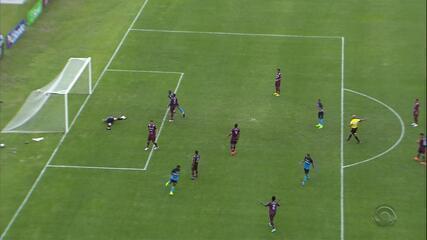 Gol do Grêmio! Miller Bolaños marca o seu aos 48m do 2T