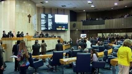 Vereadores convocam sessões extraordinárias para discutir projeto de lei contra pichadores