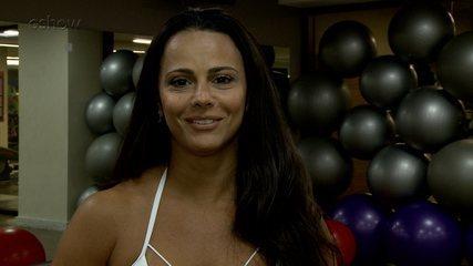 Viviane Araújo fala de sua relação com a escola de samba e os fãs