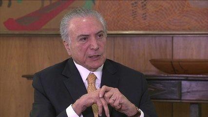 Temer diz não ver com simpatia voto em lista fechada, em entrevista a Roberto D'Avila