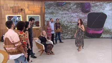 Fátima explica o motivo de Angélica estar sentada