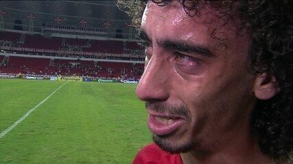 Valdivia se emociona após marcar gol nas quartas de final do Campeonato Gaúcho