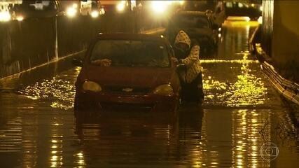 Capital recebe, em 24 horas, o maior volume de chuva para abril dos últimos 74 anos
