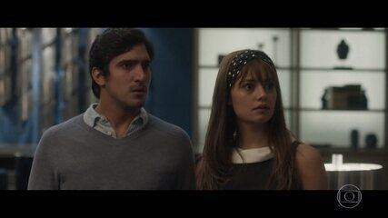Renato descobre que Arnaldo é pai de Alice