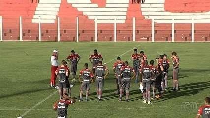 Técnico colorado mantém mistério na escalação para a final contra o Goiás