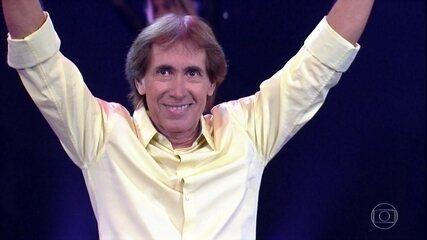 Odair José canta nova música no 'Domingão'