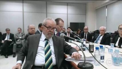 Moro chama Lula de senhor ex-presidente e pergunta sobre compra do triplex