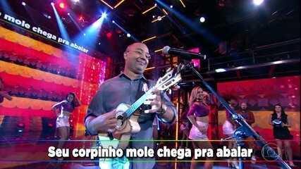 Dudu Nobre canta 'No Mexe Mexe, No Bole Bole'