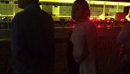 Manifestantes fazem 'panelaço' em ato contra Michel Temer em frente ao Palácio do Planalto