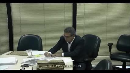 Ricardo Saud, diretor da JBS, relatou ao Ministério Público Federal que o grupo pagou R$ 15 milhões a Michel Temer para sua campanha à Vice-Presidência em 2014, com dinheiro que saiu de uma 'conta de propina' do PT, abastaecida com recursos do BNDES; segundo o delator, Temer acabou