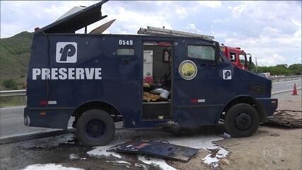 Polícia caça quadrilha especializada em roubar bancos e carros-fortes em cinco estados
