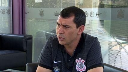 Fábio Carille responde sobre o atacante Mendoza