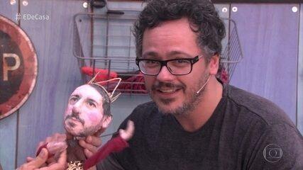 Danton Mello e Bruno Dante ensinam a fazer bonecos de marionete