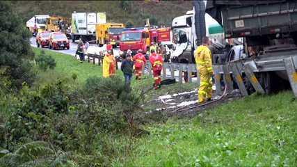 Pelo menos seis pessoas morreram em grave acidente na BR-277 em Balsa Nova