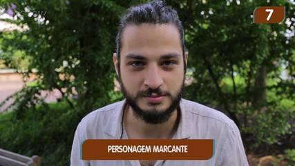 César Cardadeiro em 10 segundos: ator relembra carreira, amizades e se diverte em game
