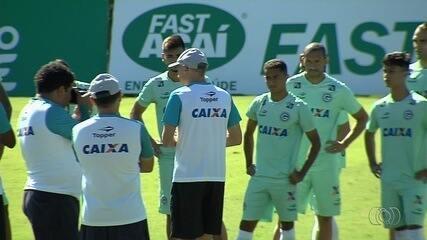 Pela Série B do Brasileiro, Goiás enfrenta o Paysandu nesta sexta-feira (9), em Belém
