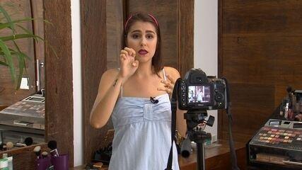 Maquiagem em Libras