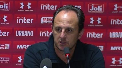 Veja trecho da entrevista de Rogério Ceni, técnico do São Paulo, após derrota em Curitiba