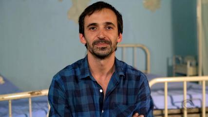 Julio Andrade, o Dr. Evandro de 'Sob Pressão', manda recado para os gaúchos