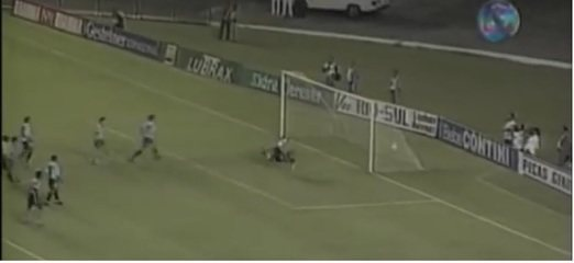 Botafogo e Grêmio empatam por 1 a 1 em jogo de ida das oitavas da Libertadores de 1996