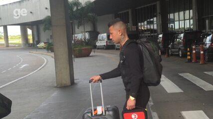 Chileno Leo Valencia desembarca no Rio para assinar com o Botafogo