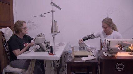 Voluntárias fabricam próteses em espaço cedido pela igreja