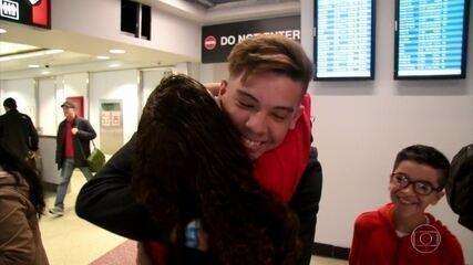 Mãe reencontra o filho após 12 anos separados