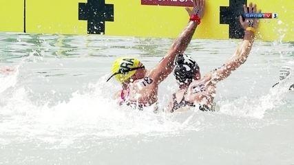 Após chegada disputada, Ana Marcela Cunha conquista medalha de bronze na maratona aquática